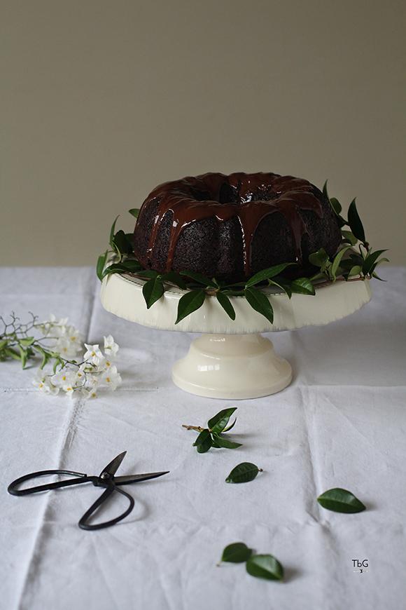 Bundt cake de chocolate y jazmín. Receta.