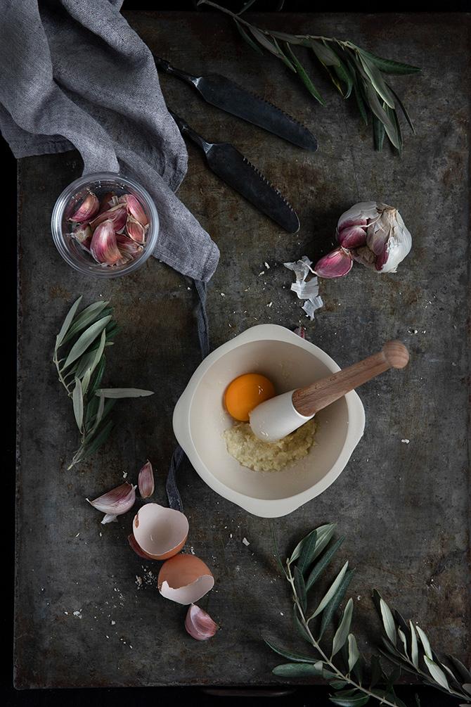 receta ajo aceite con yema de huevo